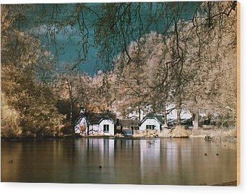Cottage On The Lake Wood Print