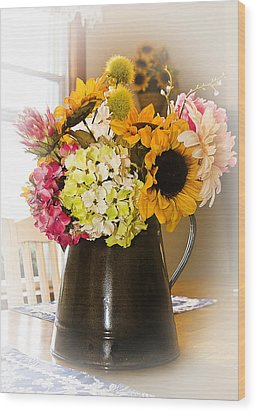 Country Flower Bouquet Wood Print
