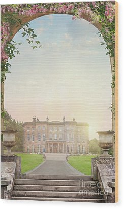 Country Mansion At Sunset Wood Print