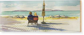 Couple At The Beach Wood Print by Ray Cole
