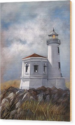 Couquille River Lighthouse  Bandon Ore. Wood Print by Lynne Parker