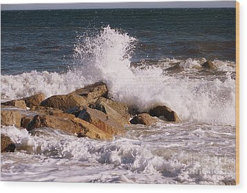 Crashing Surf On Plum Island Wood Print