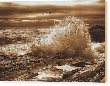 Crashing Wave Hdr Golden Glow Wood Print