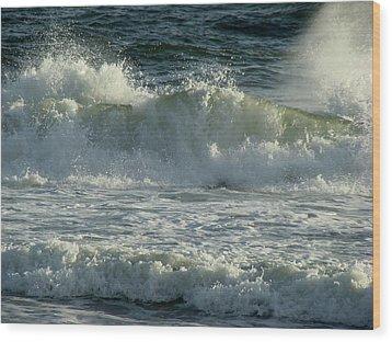 Crashing Wave Wood Print by Sandy Keeton