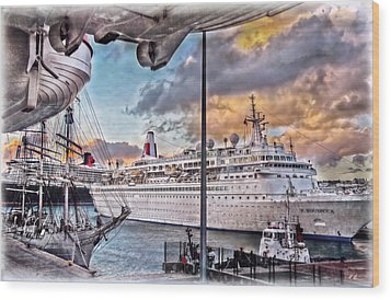 Wood Print featuring the photograph Cruise Port - Light by Hanny Heim