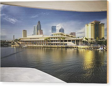 Cruising To Tampa In Hdr Wood Print