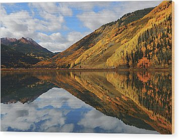 Wood Print featuring the photograph Crystal Lake Autumn Reflection by Jetson Nguyen
