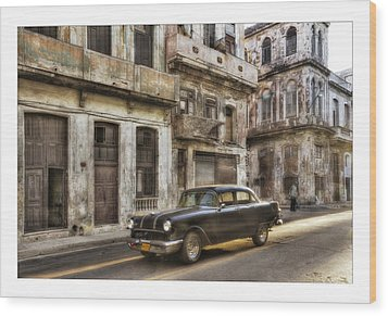 Cuba 01 Wood Print by Marco Hietberg
