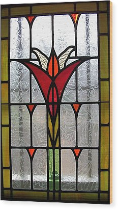 Cyndees Window Wood Print by Alan Carlson