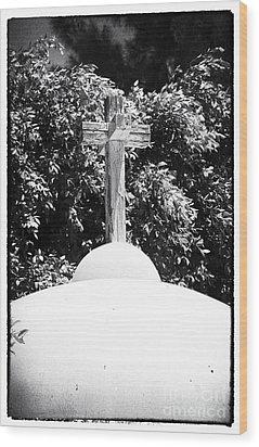 Cypriotic Crucifix Wood Print by John Rizzuto
