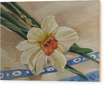 Daffodil Reclining Wood Print by Cheryl Pass