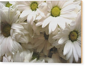 Wood Print featuring the photograph Daisies Make Me Smile by Laura  Grisham