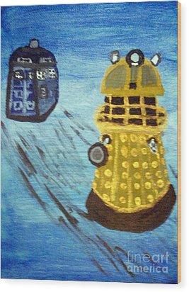 Dalek On Blue Wood Print by Elizabeth Arthur
