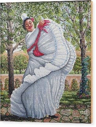Dancing Queen Wood Print by Santiago Chavez