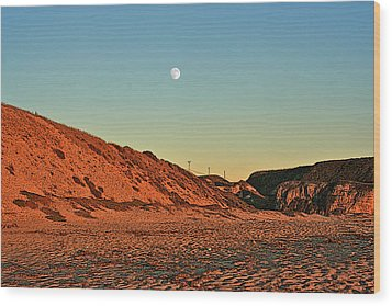 Davenport Dunes Sunset Moonrise Wood Print by Larry Darnell