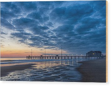 Dawn At Jennete's Pier Wood Print by Gregg Southard
