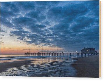 Dawn At Jennete's Pier Wood Print