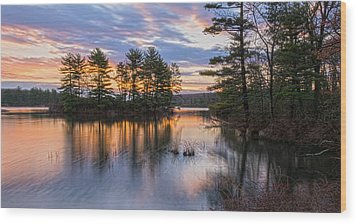 Dawn Serenity At Lake Tiorati Wood Print
