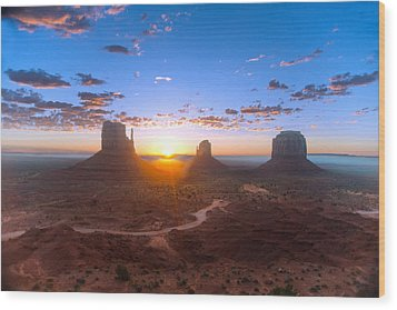 Daybreak Monument Valley Wood Print