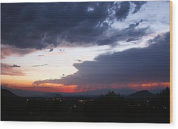 Day's End Wood Print by Gary Kaylor