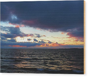 December Sunset, Wolfe Island, Ca. View From Tibbetts Point Lighthouse Wood Print