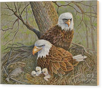 Decorah Eagle Family Wood Print by Marilyn Smith