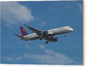 Delta Air Lines 757 Airplane N668dn Wood Print by Reid Callaway