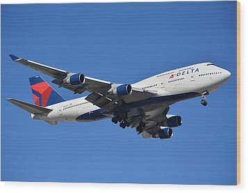 Delta Boeing 747-451 N662us Phoenix Sky Harbor January 12 2015 Wood Print by Brian Lockett