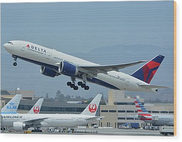 Wood Print featuring the photograph Delta Boeing 777-232lr N703dn Los Angeles International Airport May 3 2016 by Brian Lockett