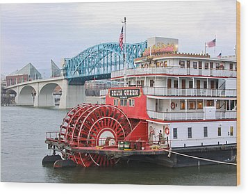 Delta Queen In Chattanooga Wood Print by Tom and Pat Cory