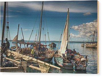Dhow Sailing Boat Wood Print