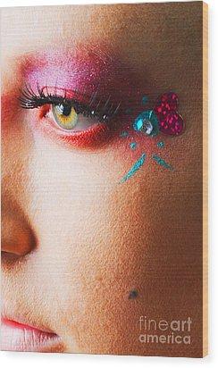 Diamond With Pink Wood Print by Robert WK Clark
