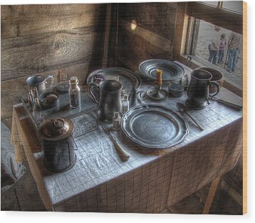 Dinner Is Served Wood Print by Jane Linders