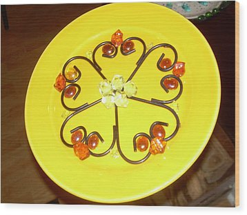 Dinner Plate Flowers Wood Print by Diane Morizio