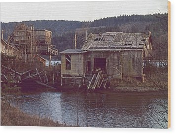 Wood Print featuring the photograph Discovery Bay Mill by Laurie Stewart