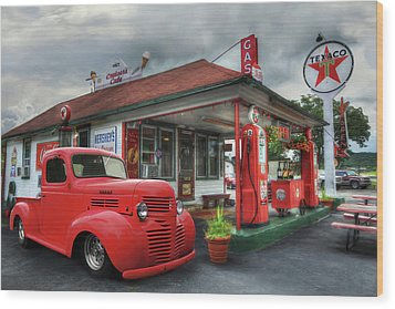 Wood Print featuring the photograph Dodge At Cruisers by Lori Deiter