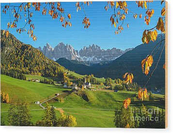 Dolomites Mountain Village In Autumn In Italy Wood Print