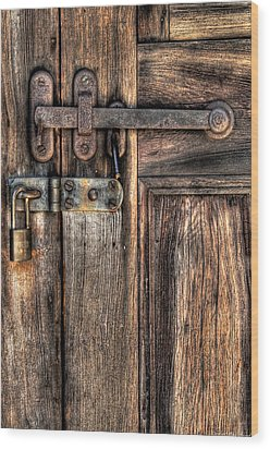 Door - The Latch Wood Print by Mike Savad