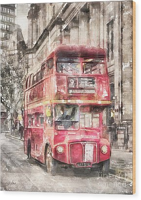 Double-decker Red Bus Of London Wood Print by Shirley Stalter