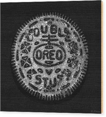 Doulble Stuff Oreo In Black And White Wood Print by Rob Hans