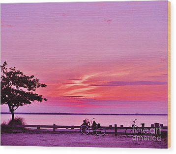 Wood Print featuring the photograph Summer Down The Shore by Susan Carella