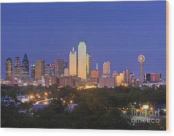 Downtown Dallas Skyline At Dusk Wood Print by Jeremy Woodhouse