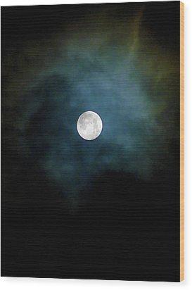Wood Print featuring the photograph Drama Queen Full Moon by Menega Sabidussi