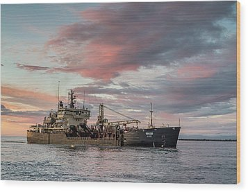 Dredging Ship Wood Print by Greg Nyquist