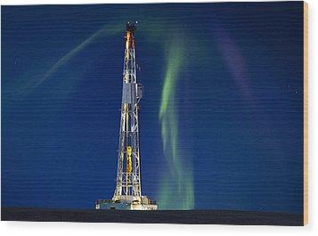 Drilling Rig Saskatchewan Wood Print by Mark Duffy
