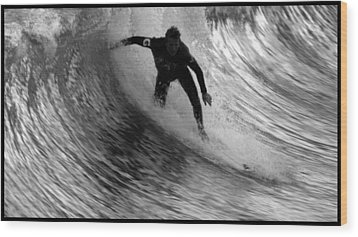 Dropping In At San Clemente Pier Wood Print by Brad Scott