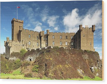 Wood Print featuring the photograph Dunvegan Castle by Grant Glendinning