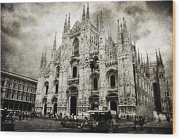 Duomo Di Milano Wood Print by Laura Melis