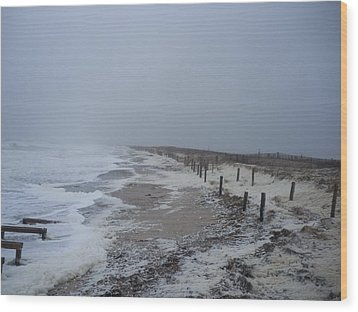Wood Print featuring the photograph Duxbury Beach Foam 2 by Conor Murphy