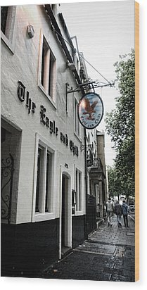 Eagle And Child Pub - Oxford Wood Print by Stephen Stookey